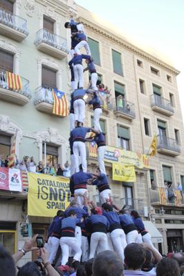 3 de 9 amb folre dels Capgrossos de Mataró
