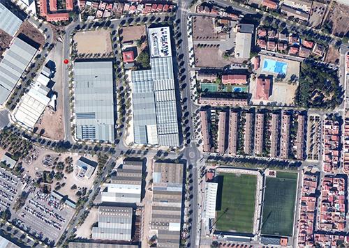 Punt on es troba la mesquita clausurada, tal com es veu a Google Maps