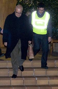 Prat, en ser detingut a casa seva (Foto: Més Tarragona)