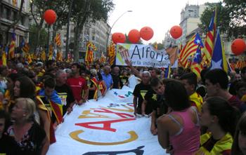 """El col·leciu """"Alforja per la independència"""" es va fer notar molt a Barcelona"""