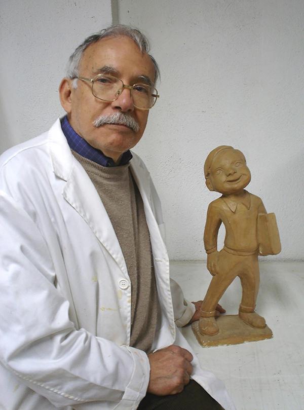 Ramon Ferran, amb l'escultura Peret Ganxet