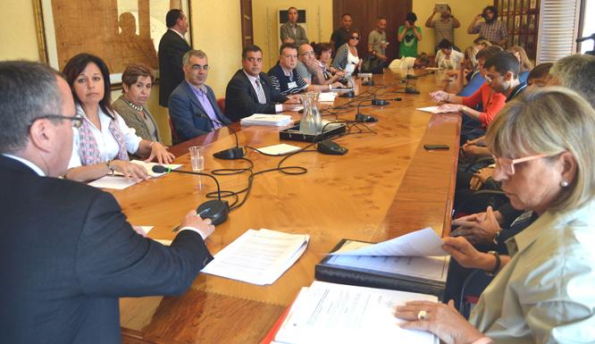 Un moment de la reunió celebrada aquest matí després del ple municipal.