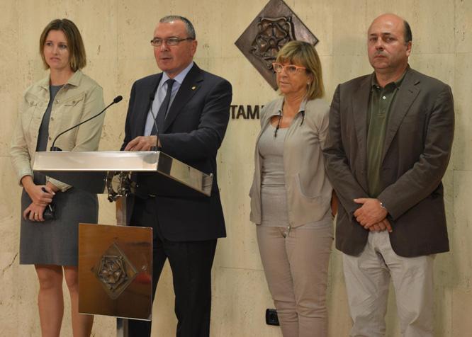 Una imatge de la roda de premsa d'aquest matí amb Carles Pellicer, Teresa Gomis, Alicia Alegret i Sebastià Domènech.