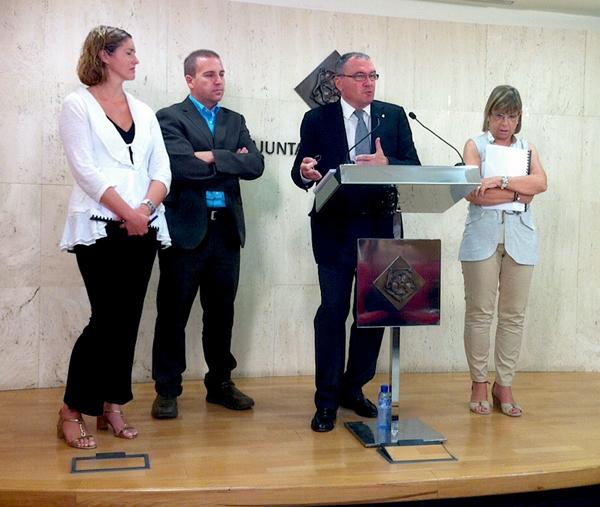 Una imatge de la presentació que s'ha fet aquest matí amb Alicia Alegret, l'interventor municipal, l'Alcalde Carles Pellicer i Teresa Gomis.