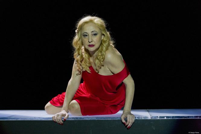 Carmen Machi protagonitza el monòleg Juicio a una zorra. Foto: Sergio Parra