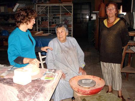 La ceramista Neus Segrià en una imatge d'arxiu al seu taller/ www.axelfabry.be