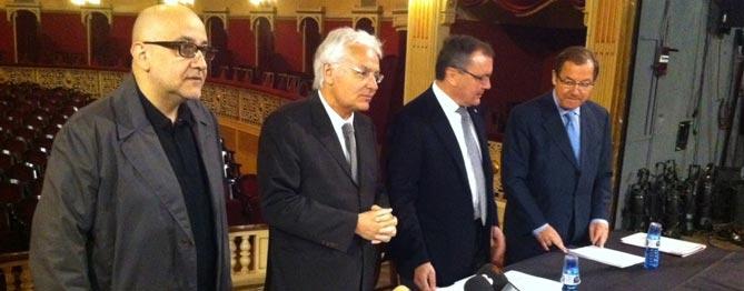 Ferran Madico, Ferran Mascarell, Carles Pellicer i Albert Vallvé (Diputació), en la presentació, fa un any, de la programació del Fortuny del segon trimestre.