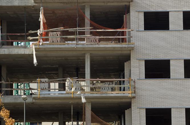 Al sector de la construcció, l'atur ha baixat durant el mes de setembre (Foto: José Carlos León/Arxiu)