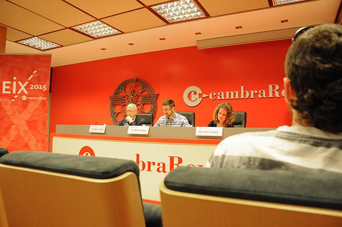 Albert López, al centre, durant la seva conferència a la Cambra de Comerç