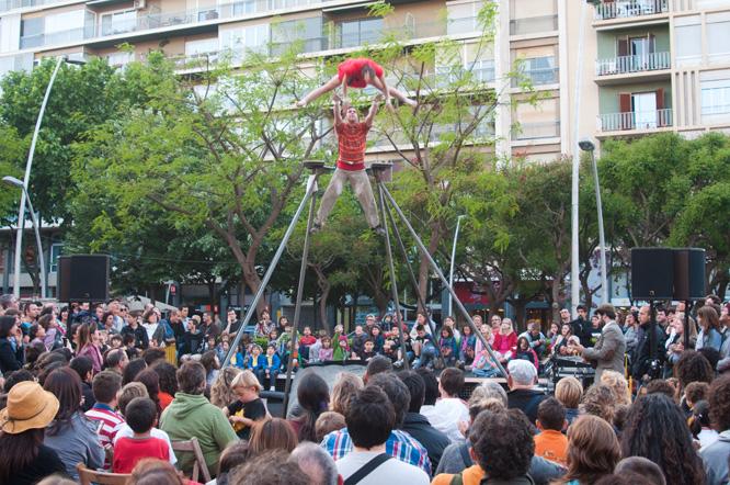 Una de les actuacions del Trapezi d'aquest 2012, a càrrec de la companyia Morosof. (Foto: Arxiu)