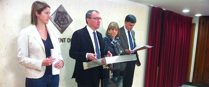 Una imatge de la roda de premsa d'aquest matí amb -d'esquerra a dreta- Alicia Alegret, Carles Pellicer, Teresa Gomis i Joaquim Enrech
