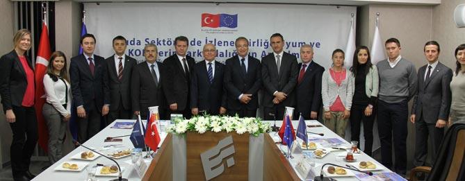 Encapçalant ambdues delegacions hi van participar el president de la Comissió de la Cambra de Comerç de Reus, Antoni Pont Soriano, i els vicepresidents de la cambra d'Eskisehir, Iskender Bayar i Mustafa Onder. La delegació de l