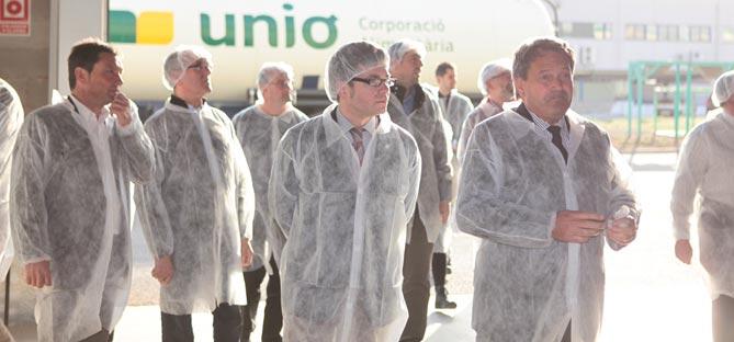 Marc Arza, amb el gerent de l'empresa Unió Corporació Agrària