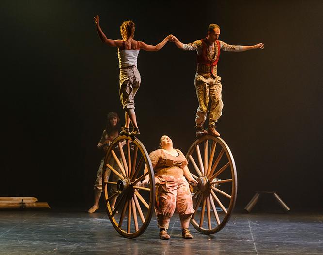 Escena de l'espectacle Pals, que inaugurarà la capitalitat cultural de Reus.