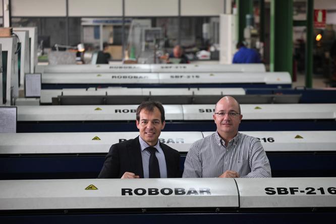 Jordi COrreig i Xavier Casas a l'interior de les instal·lacions de l'empresa al Camí del Roquís (Foto: Xavi Jurio)